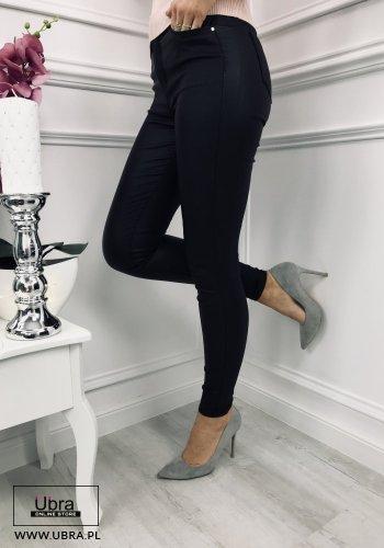 spodnie skórkowe gładkie z wysokim stanem czarne. spodnie, skórkowe, wysoki stan, dopasowane, czarne