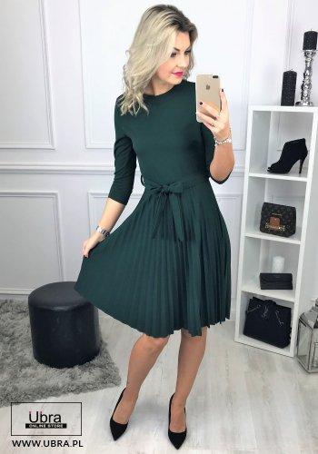 sukienka, zielona, plisowana, taliowana, wiązana w talii, tania, rękaw 3/4, dekolt półokrągły, kokarda,