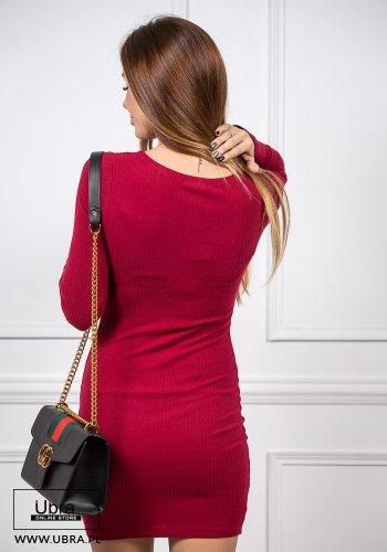 sukienka, bordowa, tania, dopasowana, prążek, długi rękaw, dekolt okrągły, guziki