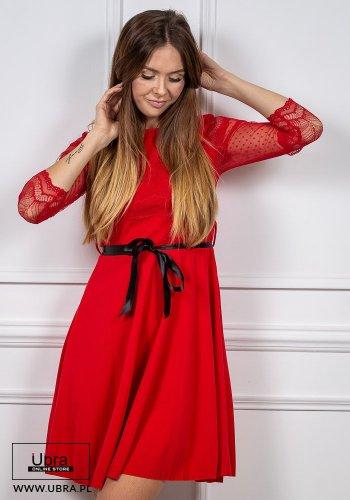 sukienka, czerwona, prosta, tania, rękaw 3/4, koronkowa, zdobiona, groszki, taliowana, wiązanie, kokarda, dekolt okrągły