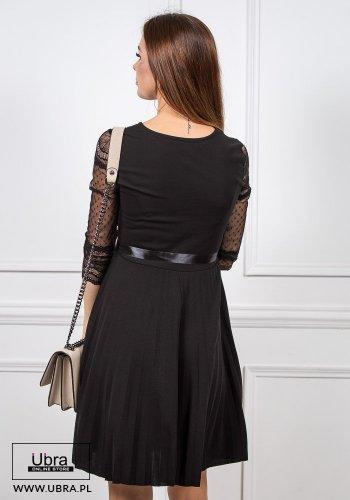 sukienka, czarna, prosta, tania, rękaw 3/4, koronkowa, zdobiona, groszki, taliowana, wiązanie, kokarda, dekolt okrągły
