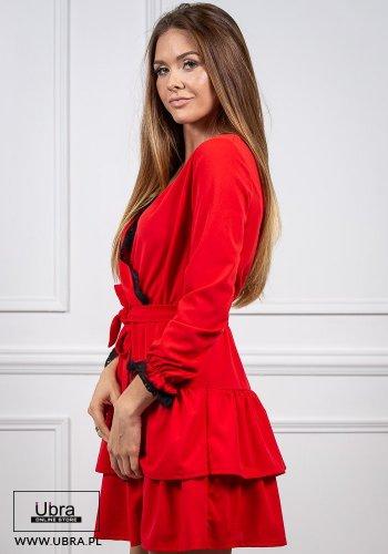 czerwona, sukienka, tania, falbanki, długi rękaw, dekolt V, zakładana, rozkloszowana, taliowana, kokarda, koronka, zakładana